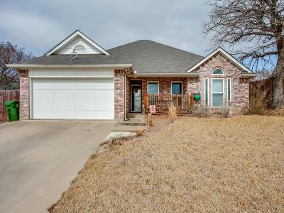 Hurst Single Family Home Active Option Contract: 840 Magnolia Court
