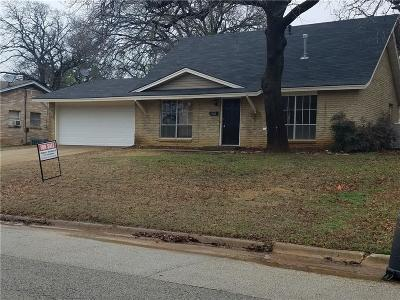 Euless Single Family Home For Sale: 1302 Donley Drive