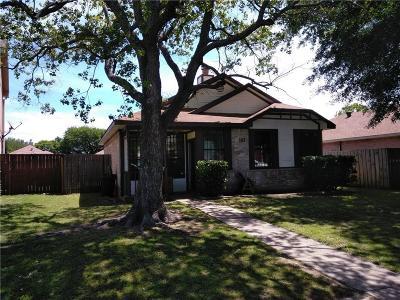 Dallas Single Family Home For Sale: 2608 Clayton Oaks Drive