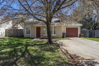 Arlington Single Family Home For Sale: 5531 Safari Trail