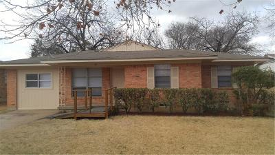 Dallas Single Family Home For Sale: 1903 Cassia Drive