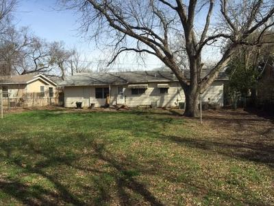 Hurst Single Family Home For Sale: 521 Brown Trail