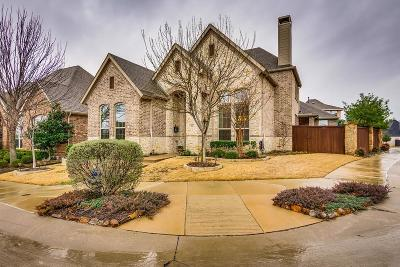 Lewisville Single Family Home For Sale: 400 Grail Castle Drive
