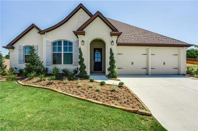 Benbrook Single Family Home For Sale: 301 Bluffside Trail