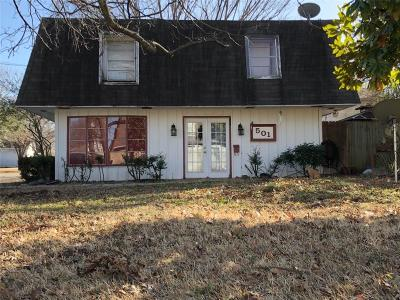 Kaufman Single Family Home For Sale: 501 W 4th Street