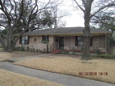 Garland Single Family Home For Sale: 1530 Charleston Drive