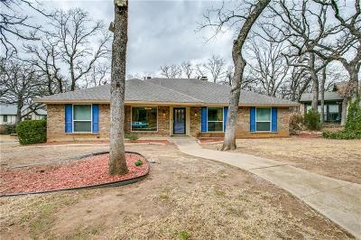 Arlington Single Family Home For Sale: 605 Country Green Lane