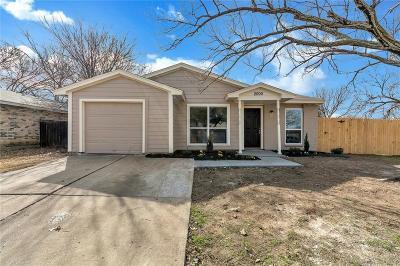 Arlington Single Family Home For Sale: 2000 Sharpshire Lane