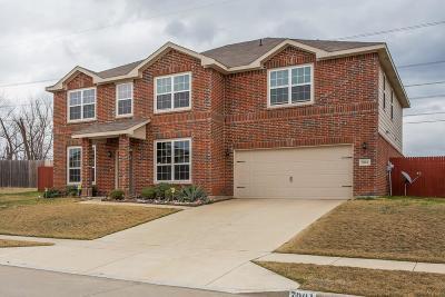Arlington Single Family Home For Sale: 7001 Pikes Peak Way
