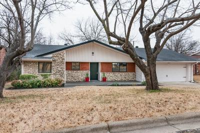 North Richland Hills Single Family Home For Sale: 5820 N Hills Drive