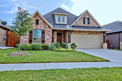 Fort Worth Single Family Home For Sale: 15449 Elm Bluff Way
