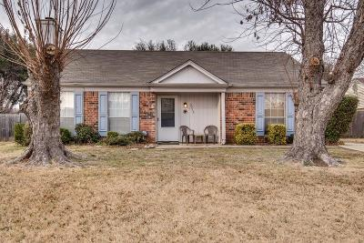 Fort Worth Single Family Home For Sale: 3713 Farm Field Lane