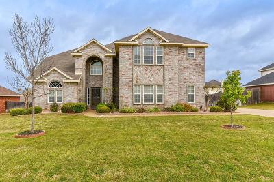 Kennedale Single Family Home For Sale: 1209 Clearbrook Drive
