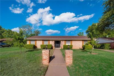 Benbrook Single Family Home For Sale: 3917 Twilight Drive S