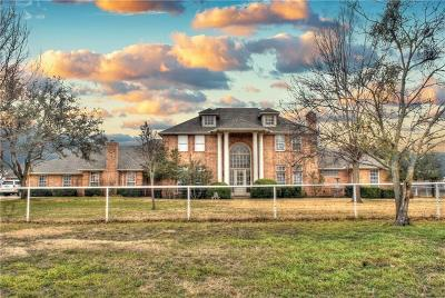 Crowley Single Family Home For Sale: 800 W Cleburne Road