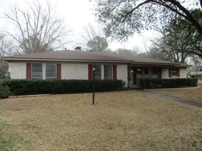 Terrell Single Family Home For Sale: 105 Holly Court