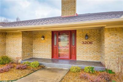 Garland Single Family Home For Sale: 3206 Colonel Circle