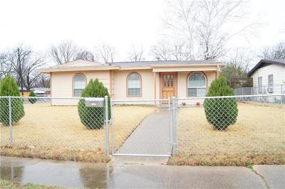 Dallas TX Single Family Home For Sale: $130,000