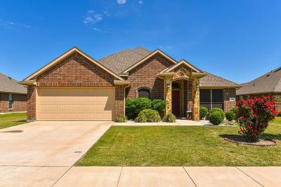Single Family Home For Sale: 108 Honeysuckle Lane