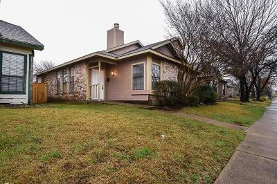 Dallas Single Family Home For Sale: 2668 Clayton Oaks Drive