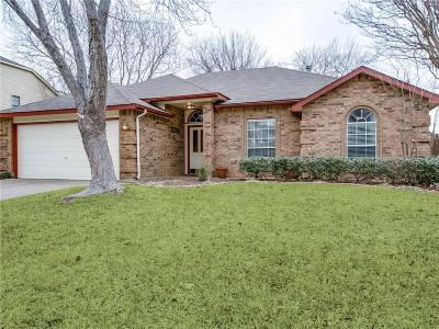 Grapevine Single Family Home For Sale: 2021 Willowood Drive
