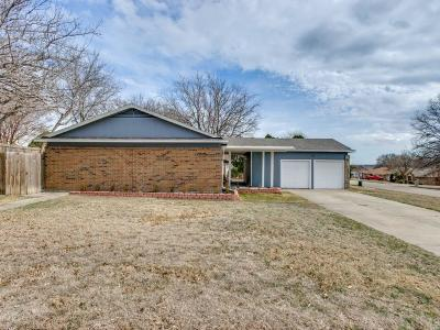 Benbrook Single Family Home For Sale: 128 Lakeway Drive