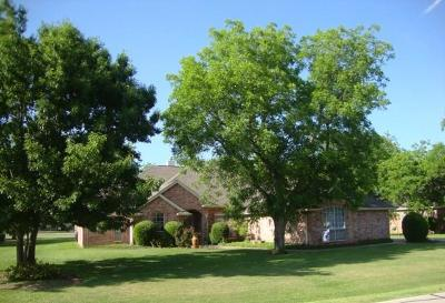 Granbury Single Family Home For Sale: 5908 Nutcracker Drive