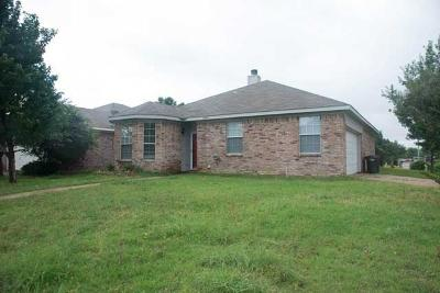 Single Family Home For Sale: 4400 Park Creek