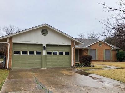 Benbrook Single Family Home For Sale: 8912 Mahan