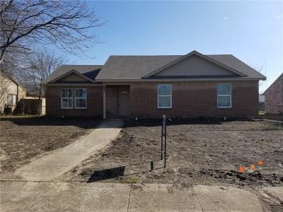 Cedar Hill Single Family Home Active Option Contract: 447 Everest Court