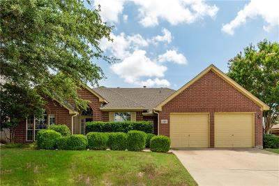 Mansfield Single Family Home For Sale: 2429 Hillary Trail