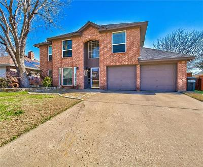 Euless Single Family Home For Sale: 2910 Whetstone Lane