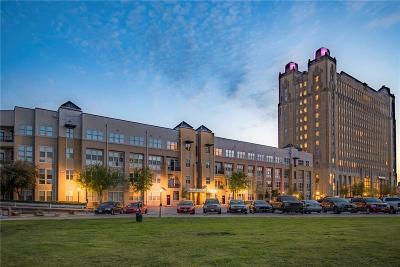 Condo Active Option Contract: 201 W Lancaster Avenue #222