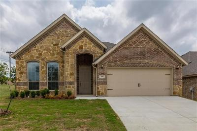 Kennedale Single Family Home For Sale: 305 Hudson Court