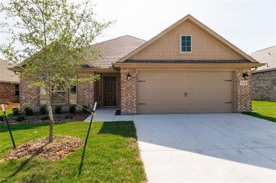 Azle Single Family Home For Sale: 524 Hidden Springs Trail
