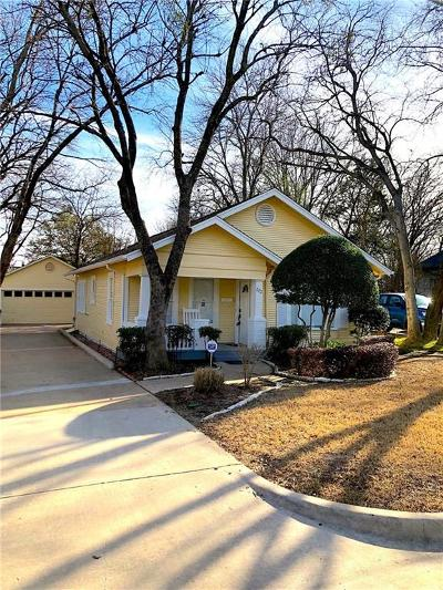 Grapevine Single Family Home For Sale: 220 E Franklin Street