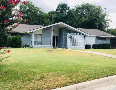 Fort Worth Single Family Home For Sale: 6108 Waco Way