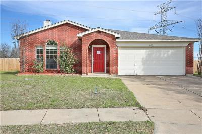 Arlington Single Family Home For Sale: 6731 White Tail Lane