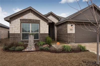 Waxahachie Single Family Home Active Contingent: 214 Old Spanish Trail
