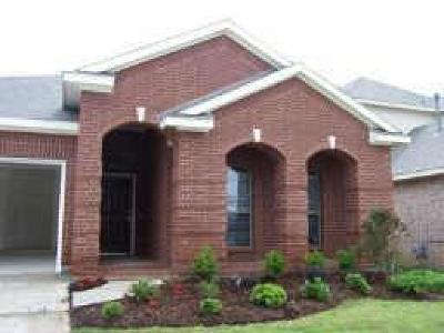 Fort Worth TX Residential Lease For Lease: $1,595