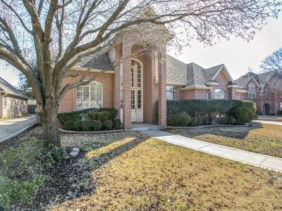 Bedford Single Family Home For Sale: 2208 Golden Gate Circle