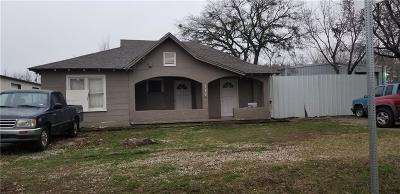 Irving Single Family Home For Sale: 311 N Jefferson Street N