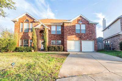 Grand Prairie Single Family Home For Sale: 305 Yarrow Court