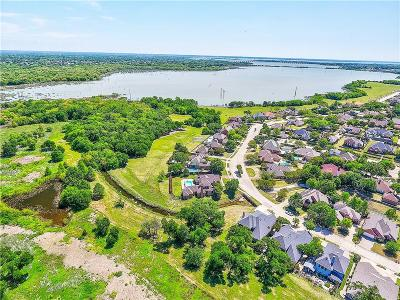Single Family Home For Sale: 3102 Bluffview Drive