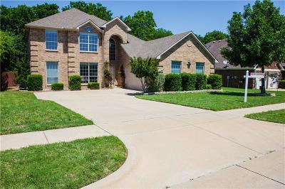 Grand Prairie Single Family Home For Sale: 5744 Derek Way