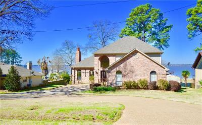 Flint Single Family Home For Sale: 18248 Lakeside Drive
