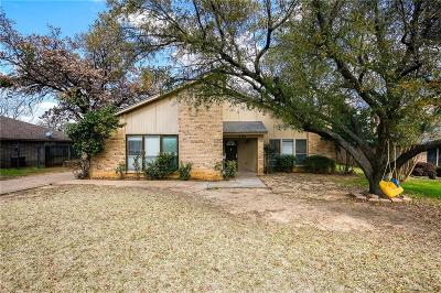 Arlington Single Family Home For Sale: 5401 Oak Springs Drive