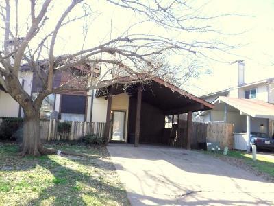 Grand Prairie Single Family Home For Sale: 2613 San Sabastian Circle