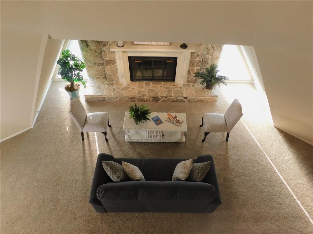 Listing: 1208 Briar Drive, Bedford, TX.| MLS# 13789528 | Abigail ...