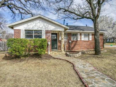 Euless Single Family Home For Sale: 915 Vine Street